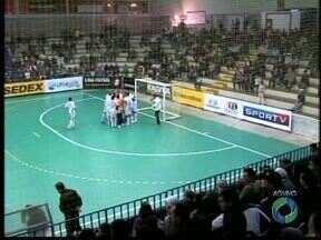 Umuarama recebe o Orlândia pela Liga Nacional - O jogador Falcão, que também joga pela Seleção Brasileira, defende o time de São Paulo e é atração na cidade.