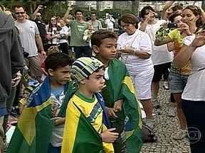 Crianças participam de protestos no Aterro do Flamengo - Uma marcha infantil no Aterro do Flamengo reuniu crianças de todas as idades. Eles pediram um futuro melhor. Os pequenos falaram de suas reivindicações.