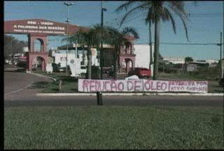 Protestos de caminhoneiros afeta exportações e entrega de mercadorias - Cooperativa de Teutônia, RS, estima um prejuízo de R$ 100 mil por dia.
