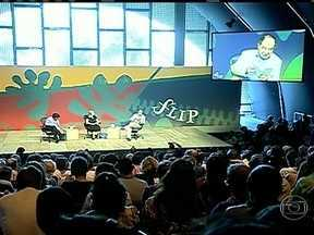 Flip 2013 amplia as opções para os seus visitantes - Em Paraty (RJ), os debates com escritores continuam sendo a principal atração da Flip. Mas o evento também oferece mais espaço para outras manifestações artísticas que exploram a força da palavra.