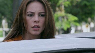Amor à Vida - Capítulo de Sábado, 06/07/2013, na íntegra - Bruno é impedido de ver Paulinha, e Paloma observa seu desespero