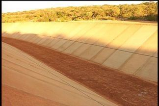 Sem transposição do São Francisco, cidades do Cariri sofrem com a seca - Ministro prometeu a obra para 2015.