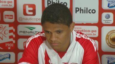 Douglas Santos se despede do Náutico para jogar na Espanha - Lateral vai defender o Granada