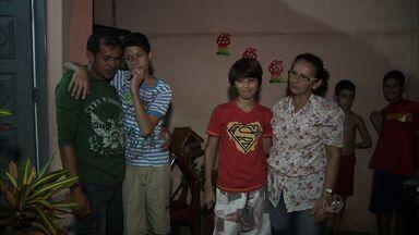 Família encontra garotos depois de 24 horas - Eles haviam ido à casa de amigos sem avisar aos pais.