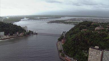 Ponte Pênsil, em São Vicente, será interditada a partir desta quarta-feira (10) - O mais famoso cartão postal de São Vicente, a Ponte Pênsil, vai ter o tráfego de veículos interditado a partir de amanhã para uma reforma.