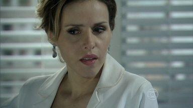 Glauce concorda com o plano de Félix - Ela promete falsificar o exame de DNA, mas exige sigilo sobre a fraude