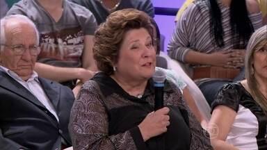 Ana Lúcia acredita que foi curada por Nhá Xica - Ela diz que agradece à brasileira todos os dias