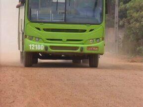 Moradores da Zona Sudeste reclamam de uma nuvem de poeira causada por estrada de areia - Moradores da Zona Sudeste reclamam de uma nuvem de poeira causada por estrada de areia
