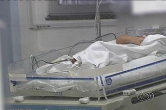 Polícia investiga morte de bebê com suspeita de intoxicação por drogas em Goiânia - A polícia investiga a morte de um bebê com suspeita de intoxicação aguda por crack. A criança passou seis dias internada em estado gravíssimo no Hospital Materno Infantil, mas não resistiu.