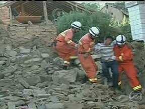 Terremoto mata 89 pessoas no Noroeste da China - Os trabalhos de busca e de atendimento às vítimas continuam nas áreas mais atingidas. O terremoto de 6,6 graus foi perto da superfície, o que provocou mais danos, e feriu 600 pessoas.