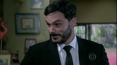 Maciel convence Márcia a passar a van para seu nome - Gentil desconfia das atitudes do motorista