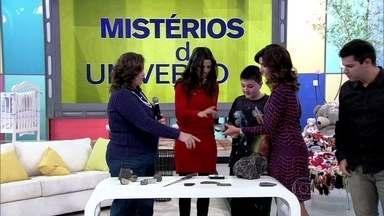 Betty mostra meteoritos que estão no Museu de Astronomia e Ciência - Astrônoma conversa sobre o assunto com Fátima e Lucas