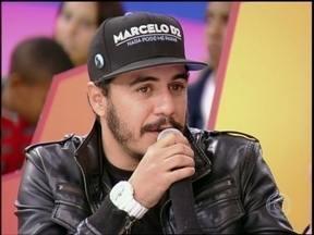 Marcelo D2 explica a importância do samba em seus discos e shows - Cantor relembra que Ivan Lins gostaria de cantar ao seu lado e comenta o convite