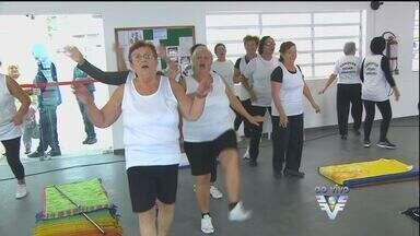 Grupo da 3ª idade participa de atividades físicas e encontros sociais na região - Quem passou dos 60 anos deve buscar atividades que ofereçam prazer e bem estar