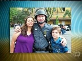 Adolescente é o principal suspeito de ter matado a família em São Paulo - De acordo com a polícia, o adolescente matou o pai, a mãe, a avó e a tia avó. Depois do crime, o menino de 13 anos foi para escola, assistiu aulas, voltou pra casa e se matou.