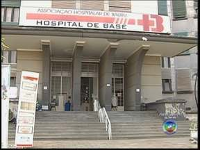 Justiça aceita denúncia de 9 pessoas no caso de desvio da AHB em Bauru - A Justiça Federal aceitou na segunda-feira (5) a denúncia da promotoria contra nove pessoas na operação Odontoma. O caso ficou conhecido pelo desvio de verbas feito pela extinta Associação Hospital de Bauru (AHB).
