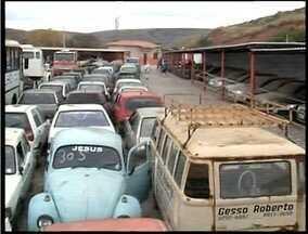 Detran realiza em Valadares leilão de veículos e sucatas - Cerca de 200 veículos serão leiloados.