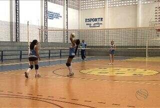 Equipe do vôlei de praia se prepara para chegar ao lugar mais alto do pódio - Atletas sergipanas que disputam o vôlei de praia nos Jogos da Primavera se preparam para alcançar bons resultados.