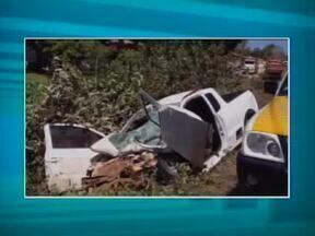 Acidente na PI-130 deixa cinco feridos após colisão entre carro e caçamba - Acidente na PI-130 deixa cinco feridos após colisão entre carro e caçamba