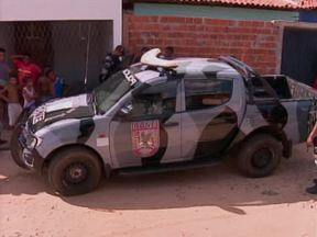 Dupla é presa por suspeita de tráfico de drogas na zona Norte - Dupla é presa por suspeita de tráfico de drogas