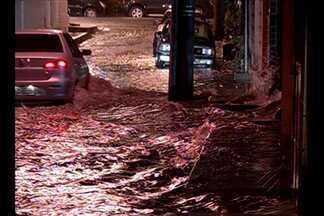 Chuva provoca alagamentos em bairros de Belém - Chuva provoca alagamentos em bairros de Belém.