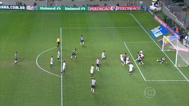 Atlético-MG empata com o Botafogo pelo Brasileirão - Com o gol salvador de Luan no minutos finais, Galo arranca empate diante do Botafogo, por 2 a 2, no Independência.
