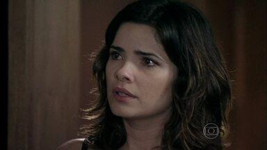 Aline tenta manipular a culpa de César - Ele se sente incomodado em trair Pilar após o episódio do casamento de Nicole