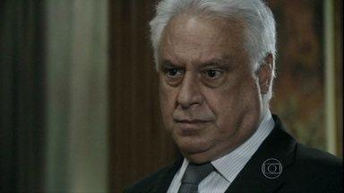 César exige que Félix reate seu casamento com Edith - Ele diz que, se o filho não o obedecer, ele o manda embora do hospital