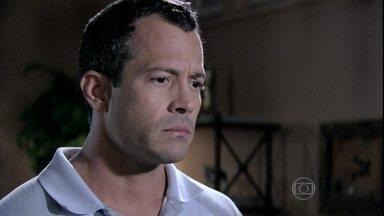 Bruno afirma que ainda está muito magoado com Paloma - A pediatra pede perdão e o corretor a trata com frieza, relembrando todas as decepções que ela lhe causou