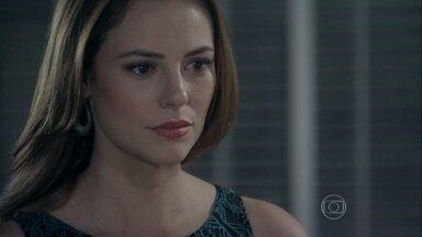 Bruno e Paloma se unem, enquanto Félix planeja afastar os dois - O casal decide descobrir quem abandonou Paulinha na caçamba. Félix pretende convencer Ninho a sequestrar a menina e levá-la para fora do país, para que Paloma vá atrás da filha