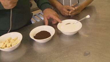 Confira dicas para evitar cheiro causado por ingredientes - Ferramente de aço inox pode ajudar a tirar cheiro das mãos.