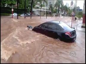 Com um ano de atraso, obra antienchende deve começar em Rio Preto - A prefeitura de Rio Preto anunciou o início da segunda etapa das obras antienchente. O trabalho deve começar ainda nesta semana, com um ano de atraso.