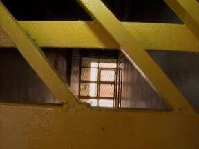 Em três dias, nove internos do CEM fugiram - Funcionários reclamam da falta de estrutura e de pessoal para trabalhar.