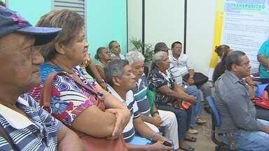 Mais de 100 servidores assinaram termo de opção para a transposição - Processo deve seguir para Brasília. O prazo para fechar os processos termina no dia 21 de outubro de 2013.