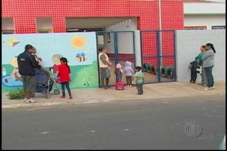 Depois de vários meses fechada, creche de Suzano começa a funcionar - A Escola Municipal Boa Vista em Suzano começou a funcionar nesta terça-feira (20). A escola foi inaugurada em 2012, tinha funcionários, mas não recebia alunos.