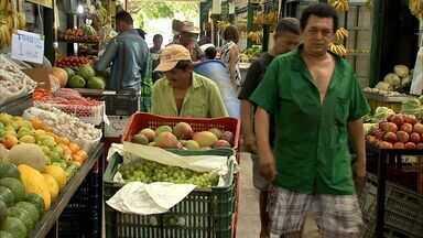 Com alta nos preços, consumidores devem pesquisar ainda mais antes de comprar - Alimentos tiveram alta nos últimos dias.