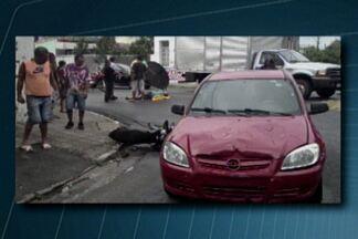 Motociclista é atingido por carro na Av. Floriano Peixoto, em João Pessoa - Motociclista foi socorrido pelo Samu.
