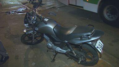 Homem morre atropelado por moto em Ribeirão Preto - Vítima de 32 anos saia do trabalho e atravessou a Avenida Francisco Junqueira fora da faixa de pedestres.