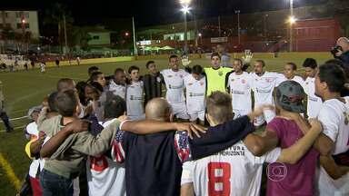 Está aberta a temporada de futebol amador em Belo Horizonte e Região Metropolitana - Começou nesta terça-feira (20) a décima edição do Torneio Corujão. Vão disputar o título 32 times. Na abertura, Pitangui e Portuguesa fizeram um jogo com sete gols.