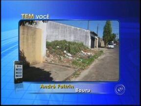 Telespectador registra terreno que se transformou em verdadeiro lixão em Quatá - Amarildo Claudino gravou um vídeo do descaso da população e do poder público pelo aplicativo TEM Você da TV TEM. Outros moradores de Bauru também enviaram flagrantes.