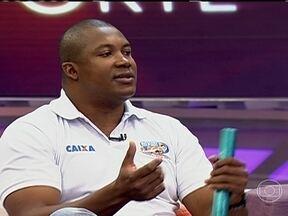 Edson Luciano avalia erros da equipe feminina no revezamento do Mundial de Atletismo - Medalhista da prova em duas Olimpíadas, ex-corredor lamenta erro, mas reconhece que pressão por medalha pode ter atrapalhado.
