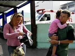 Pacientes não conseguem atendimento em hospital de Itaquera - Eles afirmam que faltam médicos na Assistência Médica Ambulatorial do Hospital Waldomiro de Paula, em Itaquera, na Zona Leste da capital. Quase 50 médicos estrangeiros devem começar a trabalhar no estado a partir de setembro.