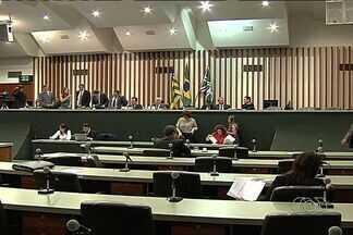 Projeto que põe fim ao voto secreto tramita na Assembleia Legislativa de Goiás - Segundo os deputados, o projeto ainda precisa ser estudado nas comissões da Casa antes de ser votado. Mas nas ruas, a população cobra que a medida seja colocada em prática o quanto antes.