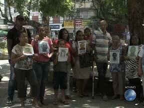 Confira o quadro 'Desaparecidos' desta quarta-feira (04) - Parentes e amigos vão até a Praça da Piedade, em busca de notícias dos entes queridos.