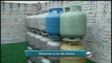 Botijão de gás custa em média R$50 em Araraquara, SP, valor pesa no bolso do consumidor - Botijão de gás custa em média R$50 em Araraquara, SP, valor pesa no bolso do consumidor.