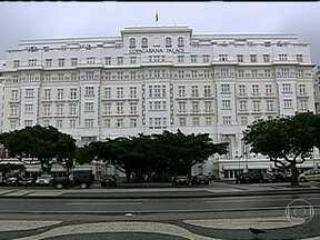 Copacabana Palace comemora 90 anos - O Copacabana Palace está comemorando 90 anos de existência. Ao longo deste tempo, abrigou milhares de celebridades entre astros da música, do cinema e até reis e rainhas.