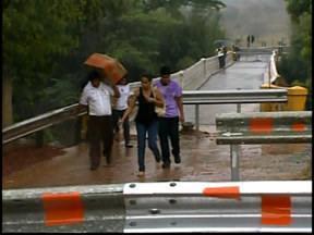 Ponte sobre o Rio Paraopeba em MG é interditada por risco de queda - A ponte liga Sete Lagoas à MG-060, em Maravilhas, no Centro-Oeste.O local está com estrutura comprometida segundo Polícia Rodoviária.