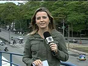 Prefeitura do Rio de Janeiro aumenta o rigor na fiscalização dos motoboys - Desde fevereiro deste ano, os motoboys do Rio de Janeiro devem fazer um curso de formação para continuar trabalhando. Os motoboys que forem flagrados circulando sem esse curso, vão ser multados.