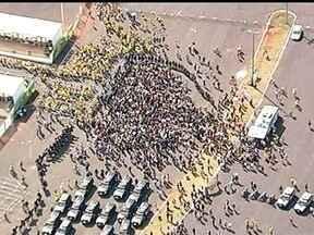 Polícia reforça segurança para o jogo do Brasil no próximo sábado (7) - A polícia montou um forte esquema de segurança para o próximo sábado (7), em Brasília, durante o jogo do Brasil no Estádio Mané Garrincha. Ao todo serão seis mil profissionais da segurança.
