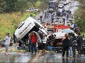 Vítima de acidente na BR-354 morre em Patos de Minas - Homem estava internado desde a tarde desta quarta (4). Motorista alcoolizado que provocou acidente foi encaminhado à delegacia.